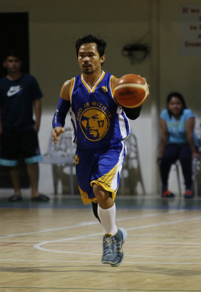 Manny Pacquiao Ripped off the Warriors Jerseys