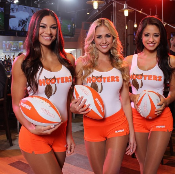 Hooters Girls Lend a Hand to the Dolphins