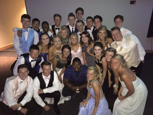 Yasiel Puig crashed a high school prom