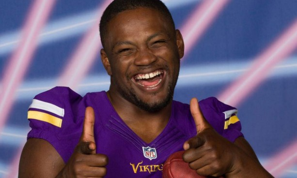 Vikings Rookies Get the Photo Day Laser Treatment