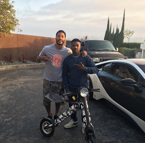 Derrick Rose is Scooting His Way Thru the Offseason