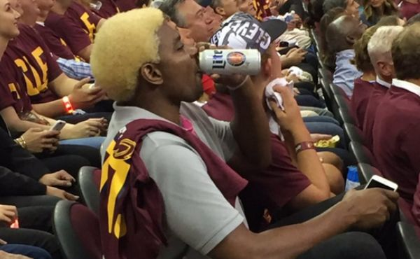 Andrew Bynum Is Winning At Life