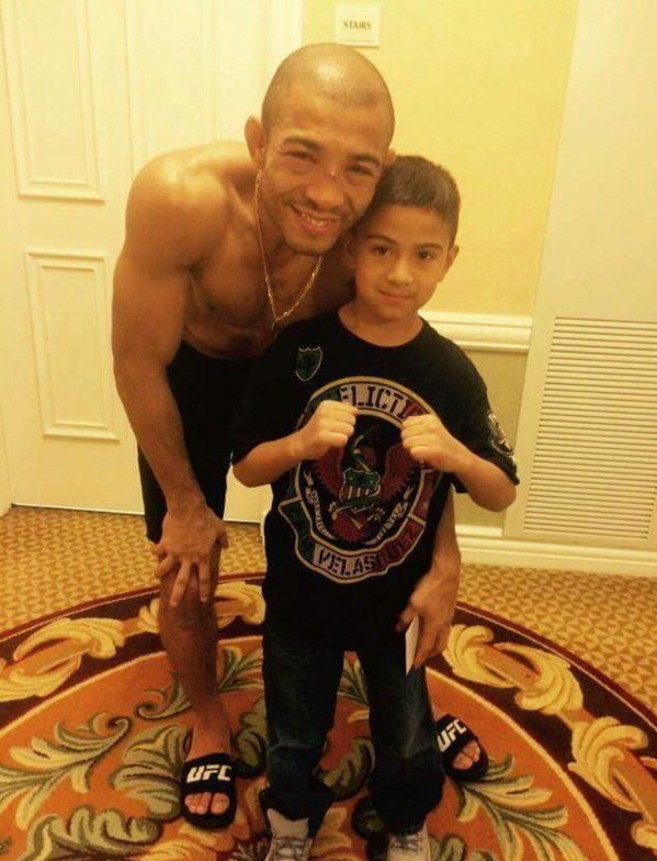 Jose Aldo Still Made Time For A Fan After Getting KO'd