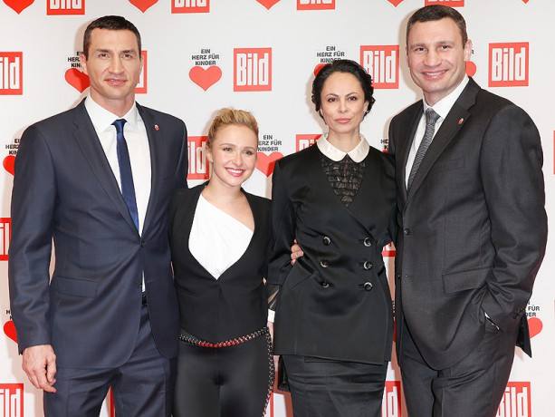 Hayden Panettiere Hangs Out with the Klitschkos