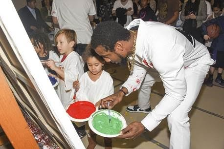 Amare Stoudemire Inspires Children to Paint