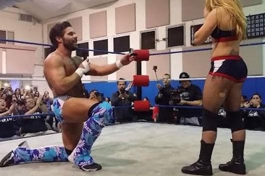 Wrestler Proposes to Girlfriend  Mid-Match during Inter-gender wrestling