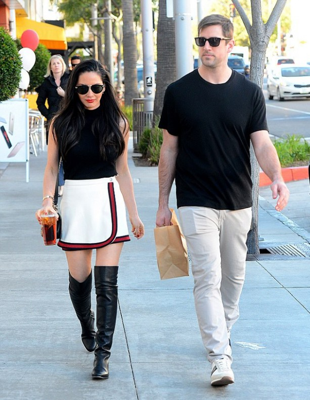Aaron Rodgers and Olivia Munn be Shopping