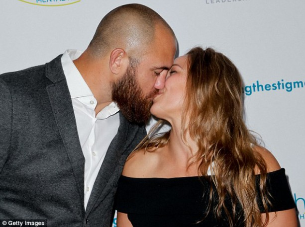This is What two UFC Fighters Kissing Looks Like