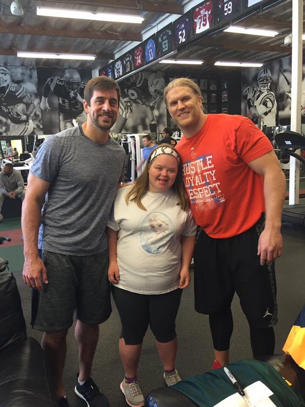 Aaron Rodgers Bulking up with Clay Matthews