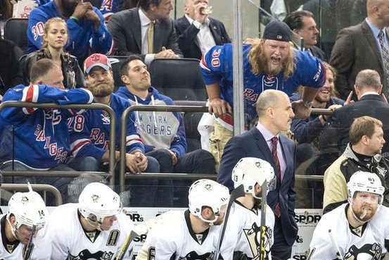 Jets Nick Mangold Going HAM At The Rangers Game