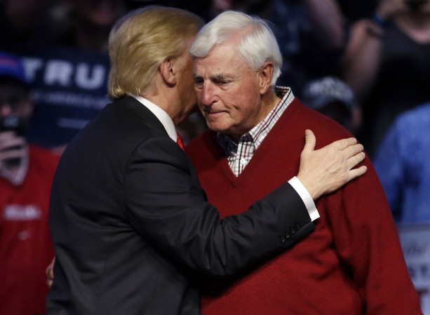 Bobby Knight delivered a Bizarre introduction of Donald Trump