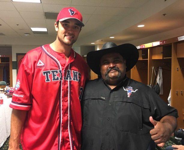 Brock Osweiler Meets a Texas Pitmaster