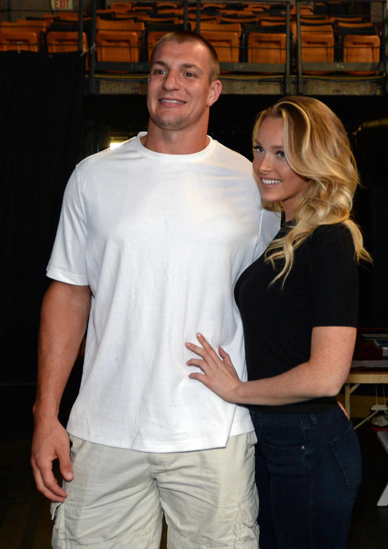 Gronk no single anymore T...