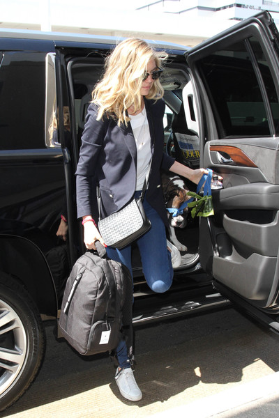 Kate+Upton+Kate+Upton+Spotted+LAX+zbLrMm_3a0nl