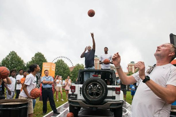 Paul George & Jalen Rose play HORSE from back of car