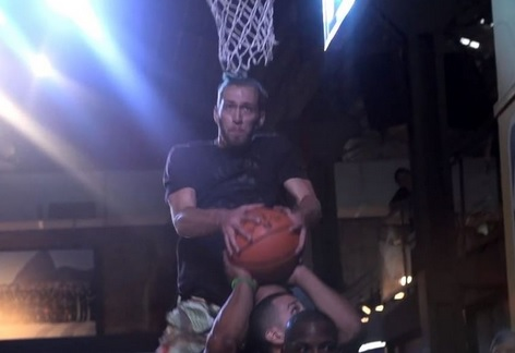 This is What a Scorpion Dunk Looks Like